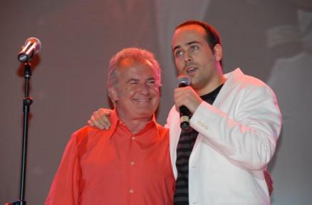 Víctor con Víctor Manuel